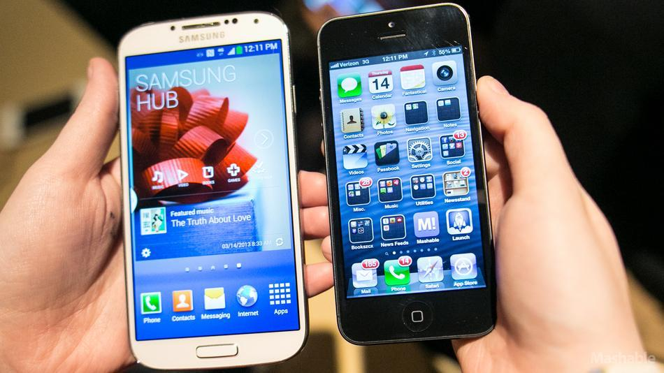 """galaxy-s-4-vs-iphone"""